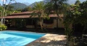Excelente propriedade com 600 m2 de área construida e terreno de 2.000m2